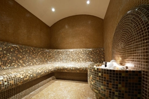 bagno turco con fontana - SUOMISAUNA
